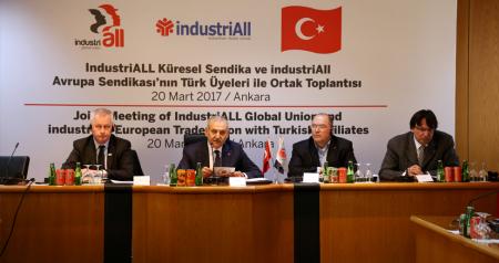 IndustriALL Küresel ve Avrupa Sendikaları, Türkiye'deki 19 Sendikanın Genel Başkanları ve Yöneticileriyle TES-İŞ Genel Merkezinde Bir Araya Geldi